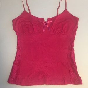 Pink tank top with lace sides and ribbon 🎀